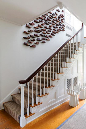 欧式风格别墅室内楼梯创意照片墙装修效果图赏析