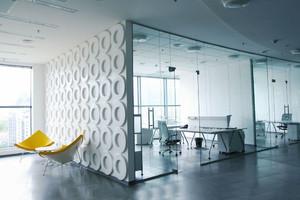 100平米现代简约风格办公室隔断设计装修效果图