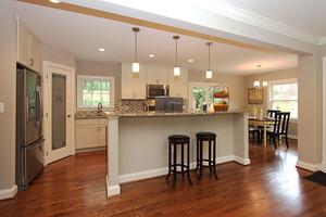 美式风格别墅室内开放式厨房吧台装修效果图
