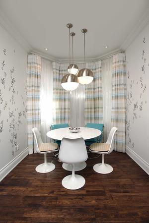 现代风格两居室创意餐厅吊灯装修效果图赏析
