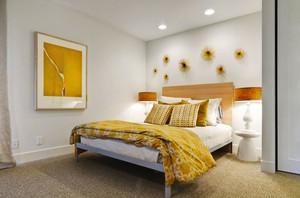 现代简约风格三居室室内卧室背景墙装修效果图