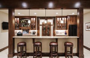 美式风格大户型室内客厅吧台设计装修效果图