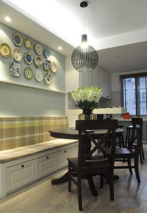 现代简约美式风格餐厅照片墙装修效果图