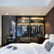 后现代风格两居室卧室衣柜装修效果图赏析