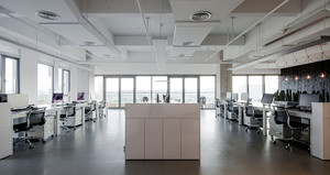 160平米现代风格办公室吊顶装修效果图赏析
