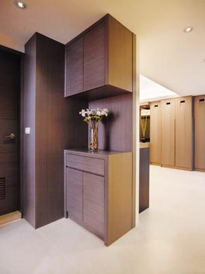 现代风格冷色调进门玄关鞋柜设计装修效果图