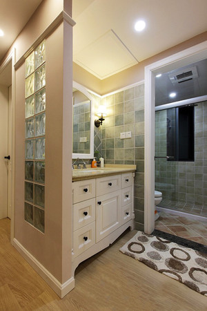 现代美式风格大户型室内卫生间隔断设计装修效果图