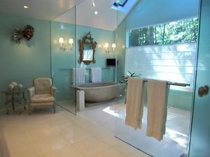 现代风格大户型室内精致卫生间隔断设计装修效果图