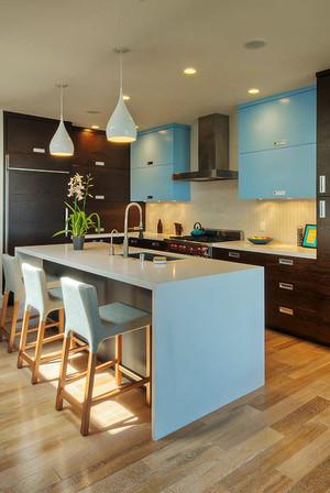 现代简约风格大户型开放式厨房吧台装修效果图