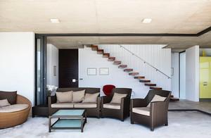 后现代风格复式楼梯装修效果图赏析