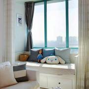 现代风格温馨舒适飘窗窗帘设计装修效果图