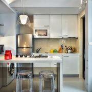 现代简约风格小户型室内开放式厨房吧台装修效果图