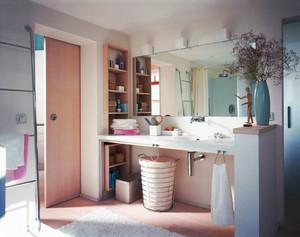 北欧风格简约整洁卫生间装修效果图赏析