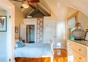 简欧风格温馨创意阁楼儿童房设计装修效果图