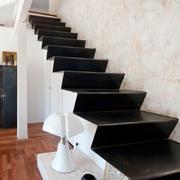 现代简约风格复式楼创意楼梯装修效果图