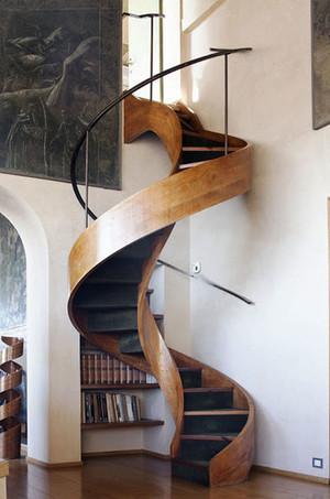 后现代风格创意旋转楼梯设计装修效果图赏析
