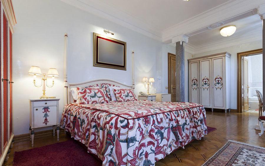 唯美法式风格别墅室内卧室装修效果图