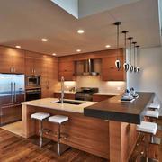 现代美式风格大户型开放式厨房吧台设计装修效果图