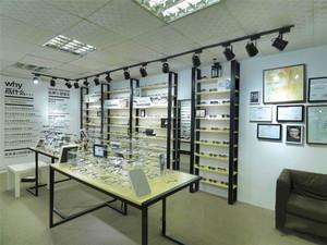 50平米现代风格眼镜店装修效果图赏析