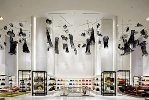 120平米后现代风格箱包店设计装修效果图