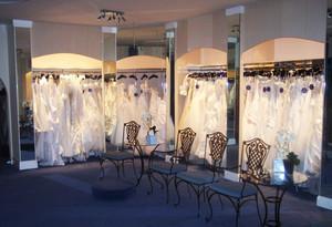 116平米现代风格婚纱店设计装修效果图