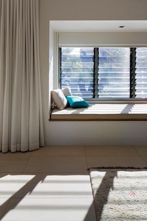 现代风格简约飘窗设计装修效果图