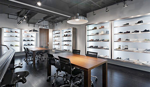 70平米后现代风格鞋店设计装修效果图