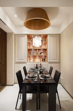 现代风格轻奢餐厅吊灯设计装修效果图