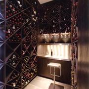 现代风格精致酒柜设计装修效果图