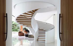 简欧风格别墅精致旋转楼梯装修效果图赏析