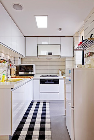 现代简约风格小户型整体厨房装修效果图