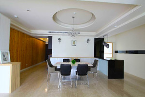 现代简约风格大户型室内餐厅吊顶设计装修效果图
