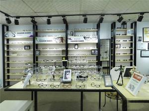 80平米现代风格眼镜店装修效果图赏析