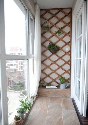 简约风格封闭式阳台设计装修效果图