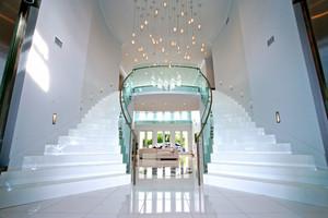 欧式风格超豪华别墅楼梯设计装修效果图