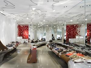 90平米简约风格大型鞋店设计装修效果图赏析