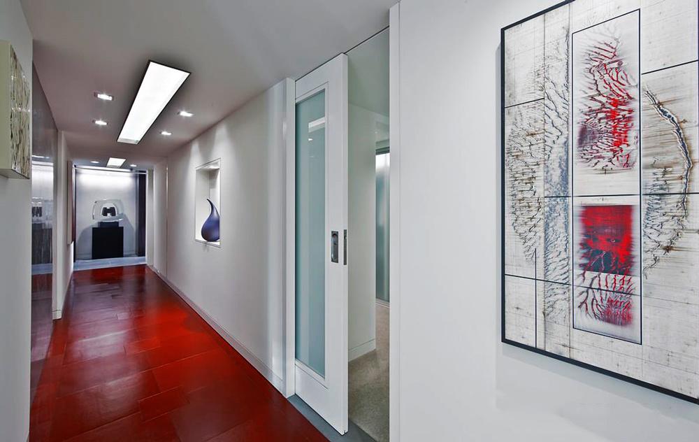 现代简约风格大户型室内过道吊顶装修效果图