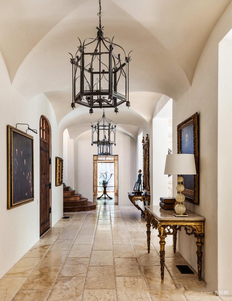美式风格别墅室内精致过道吊顶装修效果图赏析