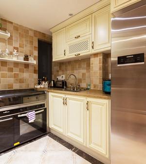 简欧风格精致厨房橱柜设计装修效果图