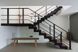现代风格精致铁艺楼梯装修效果图赏析
