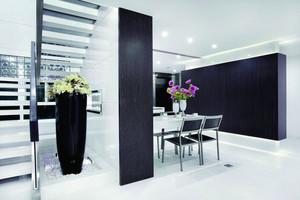现代风格复式楼室内餐厅隔断设计装修效果图