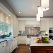美式风格别墅室内精美厨房装修效果图赏析