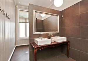 美式风格大户型室内卫生间隔断设计装修效果图