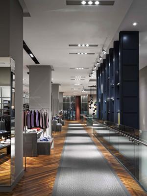 400平米后现代风格大型服装店装修效果图赏析