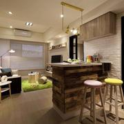 现代风格客厅吧台装修效果图赏析