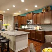 美式风格大户型室内精致开放式厨房吧台装修效果图