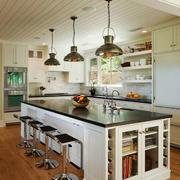 现代简约美式风格别墅开放式厨房吧台装修效果图