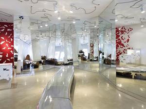 140平米现代简约风格大型鞋店装修效果图赏析