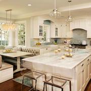 欧式风格别墅室内精美厨房橱柜设计装修效果图
