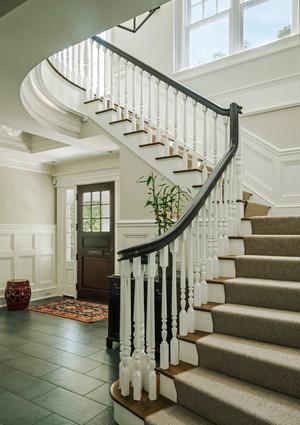 欧式风格别墅室内精致楼梯装修效果图赏析